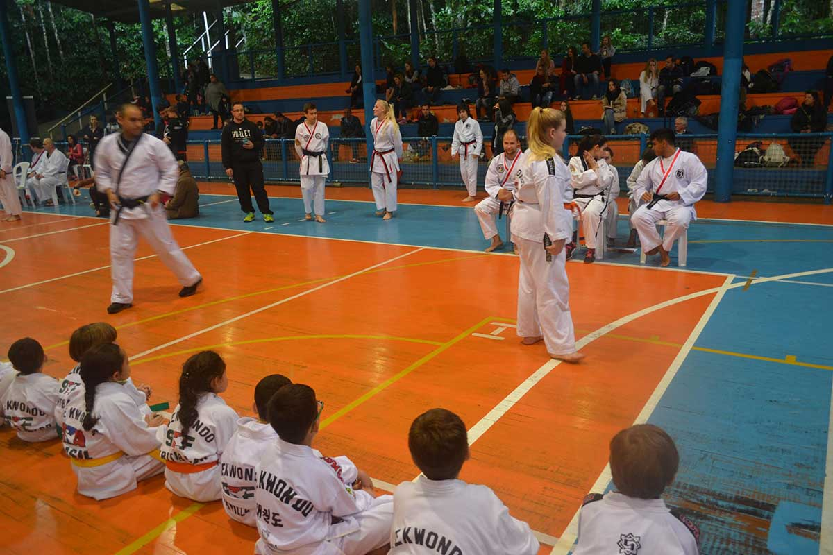 "Copa Barreto Taekwondo 2016  - <i class=""fa fa-download""></i> <a href=""../images/galeria/copa_barreto_2016/foto_13.jpg"" target=""_blank"" download>Download</a>"