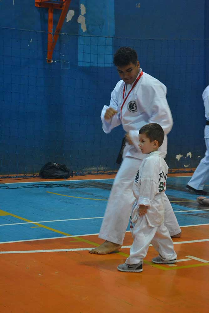 "Copa Barreto Taekwondo 2016  - <i class=""fa fa-download""></i> <a href=""../images/galeria/copa_barreto_2016/foto_37.jpg"" target=""_blank"" download>Download</a>"
