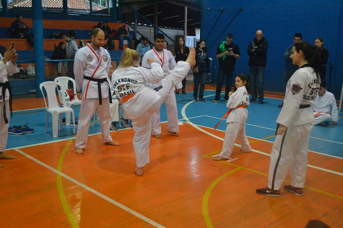 "Copa Barreto Taekwondo 2016  - <i class=""fa fa-download""></i> <a href=""../images/galeria/copa_barreto_2016/foto_60.jpg"" target=""_blank"" download>Download</a>"