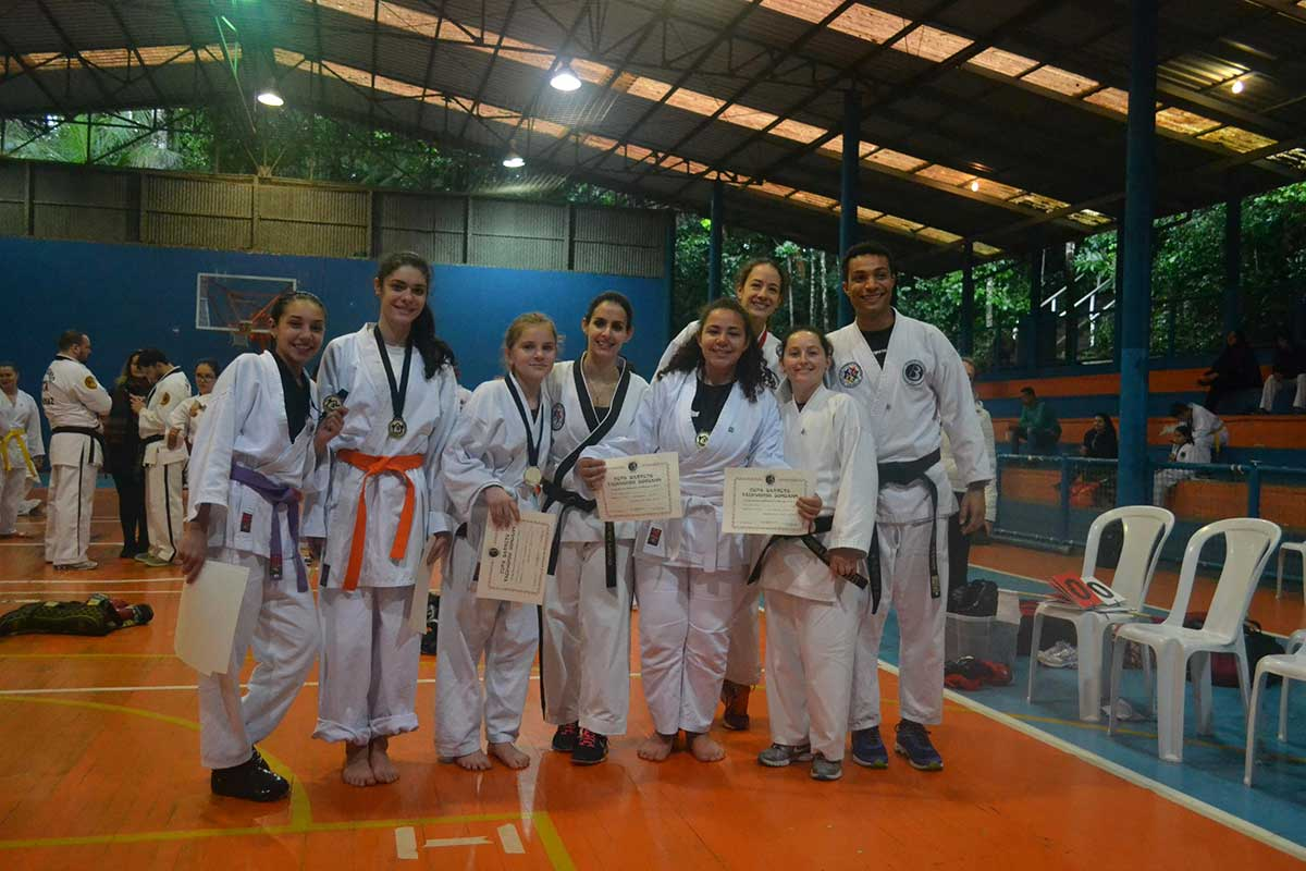 "Copa Barreto Taekwondo 2016  - <i class=""fa fa-download""></i> <a href=""../images/galeria/copa_barreto_2016/foto_69.jpg"" target=""_blank"" download>Download</a>"