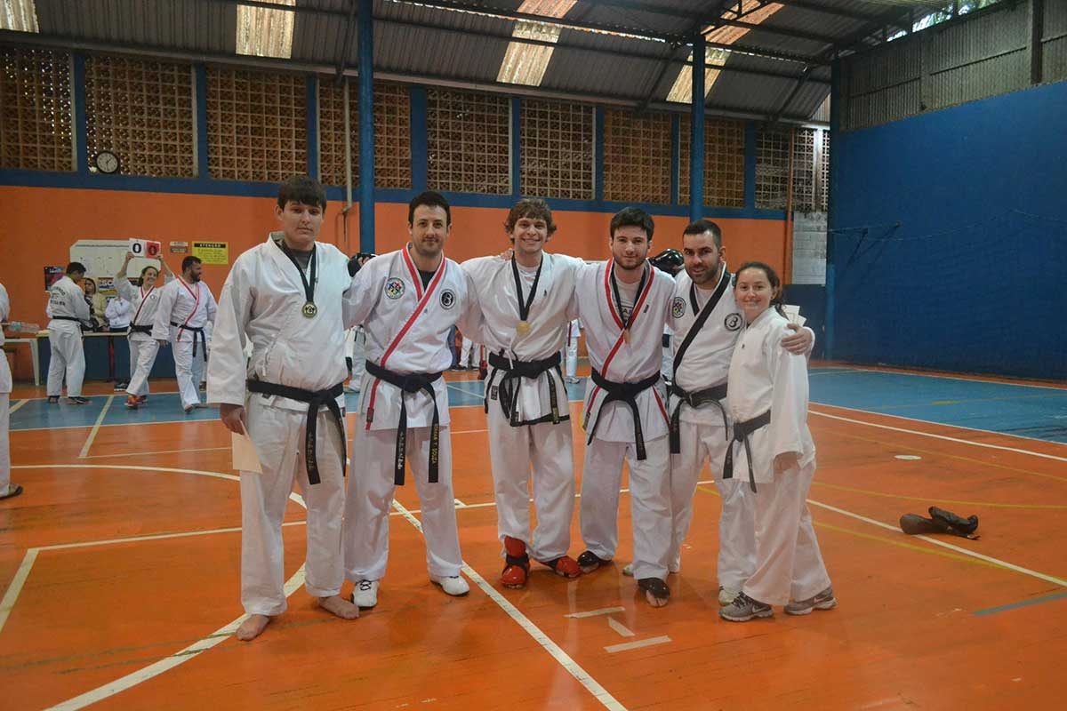 "Copa Barreto Taekwondo 2016  - <i class=""fa fa-download""></i> <a href=""../images/galeria/copa_barreto_2016/foto_70.jpg"" target=""_blank"" download>Download</a>"
