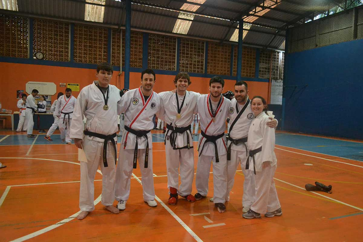 "Copa Barreto Taekwondo 2016  - <i class=""fa fa-download""></i> <a href=""../images/galeria/copa_barreto_2016/foto_71.jpg"" target=""_blank"" download>Download</a>"